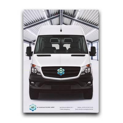 weißer Transporter auf Titelseite von Mappe