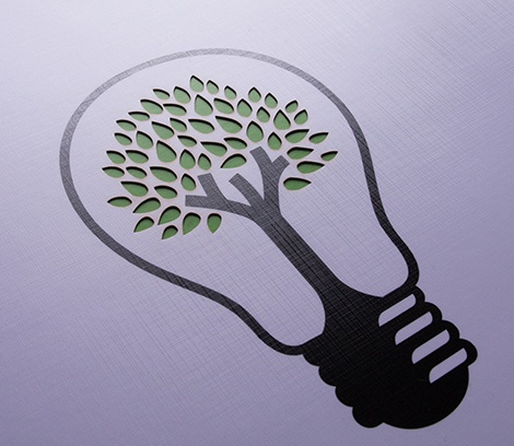 Nahaufnahme Gravur Glühbirne mit Blätter